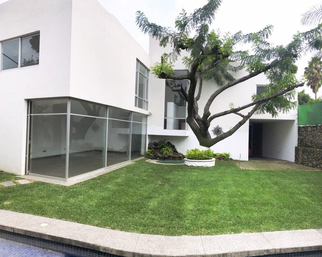 Casa venta 4 650 000 renta 19000 en lomas de cortes for Renta casa minimalista cuernavaca