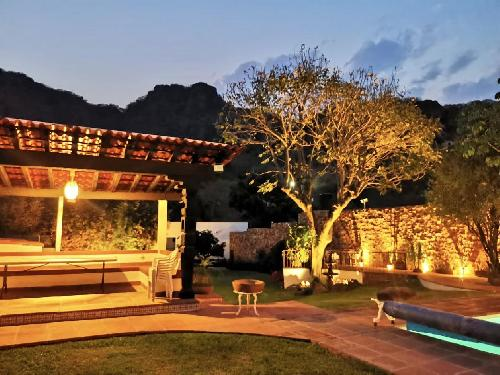Casa Renta en SANTIAGO TEPETLAPA, Tepoztlan  Morelos